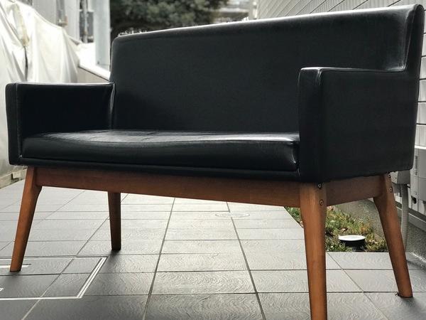 sofa_bench